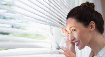 Radíme, ako vybrať interiérové tienenie do domu